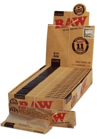 RAW Slim 1 1/4 Size Papers